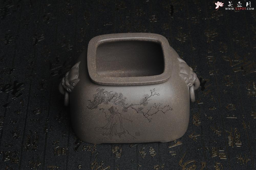 紫砂壶图片:精品特惠 助工老青段精品瑞兽双耳罐 茶仓 茶叶罐 水洗 烟灰缸 松下高士图 - 宜兴紫砂壶网