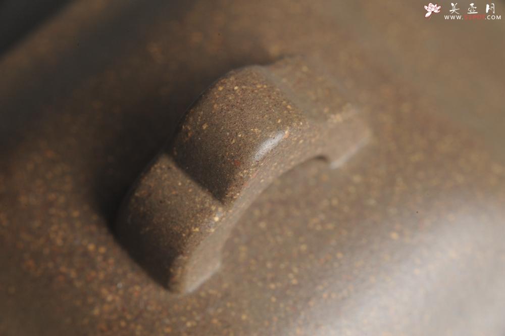 紫砂壶图片:实力派张海艳全手工蟹壳老青段泥精工弧菱壶 - 宜兴紫砂壶网