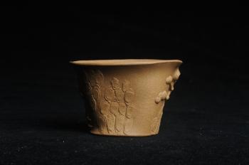 紫砂壶图片:美杯特惠 精致全手工松桩杯 肌理自然丰富 茶人醉爱 - 宜兴紫砂壶网