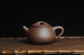 紫砂壶图片:美壶特惠 经典满瓢(霸王瓢)泥料特好 做工灰常精致 可和千元作品PK - 宜兴紫砂壶网