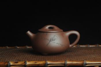 紫砂壶图片:美壶特惠 工料俱佳满瓢(霸王石瓢)装饰枯枝鸟 茶人醉爱 - 宜兴紫砂壶网