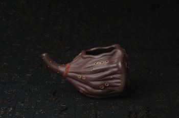 紫砂壶图片:精致特惠莲蓬公道杯 - 宜兴紫砂壶网