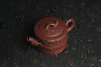 紫砂壶图片:美壶特惠 精致紫泥可心竹段壶 茶人醉爱 - 宜兴紫砂壶网