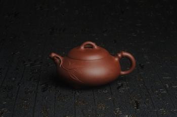 紫砂壶图片:美壶特惠 优质紫泥竹石瓢 特文气 茶人醉爱 - 宜兴紫砂壶网