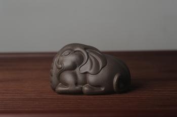 紫砂壶图片:美宠特惠 精工好料大象紫砂茶宠 太平有象 长10cm宽6.5cm高6cm - 宜兴紫砂壶网