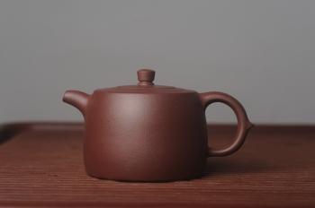 紫砂壶图片:美壶特惠 油润老紫泥精致井栏 茶人醉爱 - 宜兴紫砂壶网