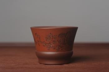 紫砂壶图片:美杯国庆特惠 精品好泥好工好刻雅致特厚实松鼠主人杯 - 宜兴紫砂壶网
