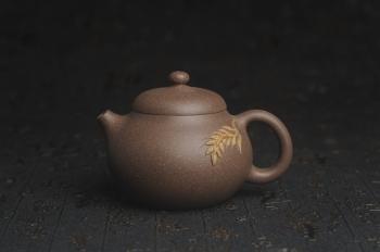 紫砂壶图片:美壶特惠 精致青灰段泥乳穗壶 茶人醉爱 - 宜兴紫砂壶网