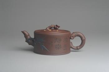 紫砂壶图片:美壶特惠 精致松竹梅岁寒三友竹段壶 茶人醉爱 - 宜兴紫砂壶网