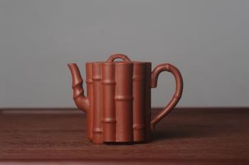 紫砂壶图片:美壶特惠 精致优质朱泥十三竹壶 茶人醉爱 - 宜兴紫砂壶网