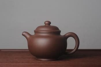 紫砂壶图片:美壶特惠 精致大掇只壶 大品气势恢宏 茶人醉爱 - 宜兴紫砂壶网
