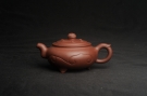 紫砂壶图片:美壶特惠 优质紫泥精工三角如意壶 嵌盖难度大 - 宜兴紫砂壶网