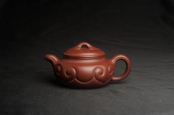紫砂壶图片:美壶特惠 精致紫泥仿古如意壶 茶人醉爱 - 宜兴紫砂壶网