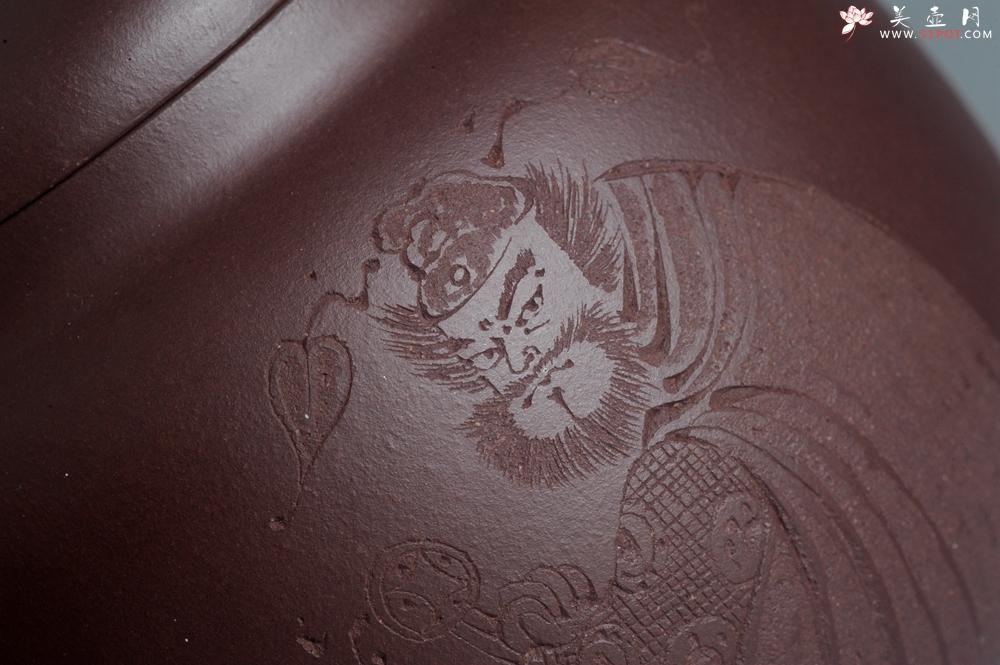 紫砂壶图片:特油润底曹青全手工一捺底景舟茄段 装饰人物特文气 - 宜兴紫砂壶网