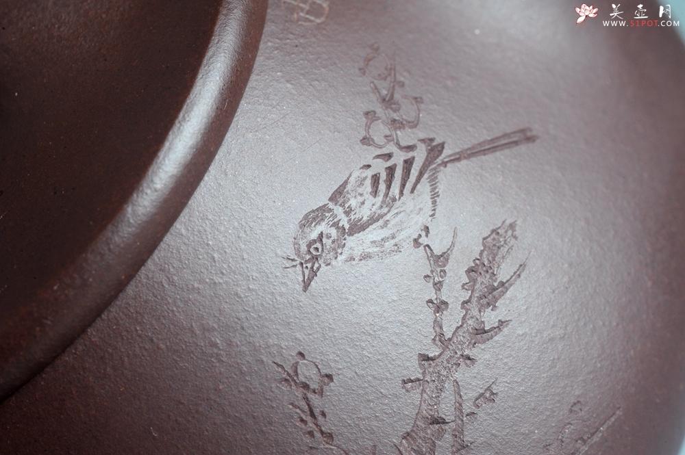 紫砂壶图片:实力派助工周斌 优质底槽青全手工精工满瓢壶 陶兴双刀装饰 诗写梅花月,茶烹谷雨春 - 宜兴紫砂壶网